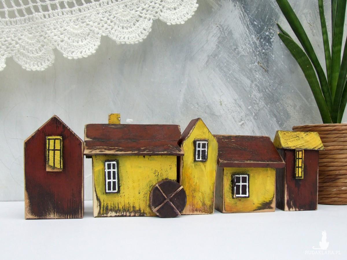 5 domków dekoracyjnych, żółto-brązowe