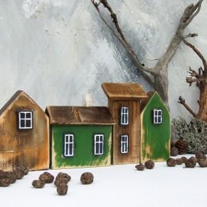 4 domki dekoracyjne, zielono-brązowe