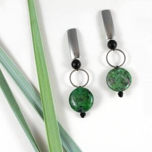 Kolczyki geometryczne z zielonym zoisytem
