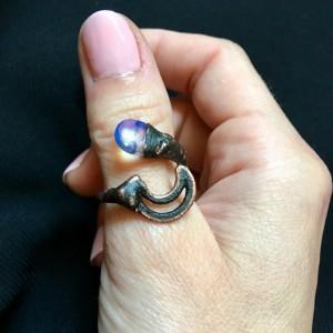 księżycowy pierścionek z opalitem