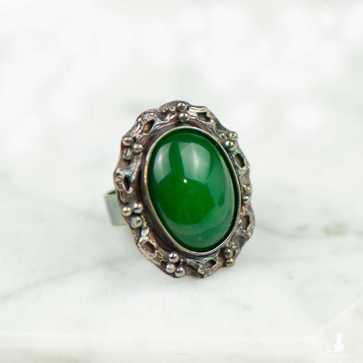 Pierścień srebrny z zielonym agatem a785