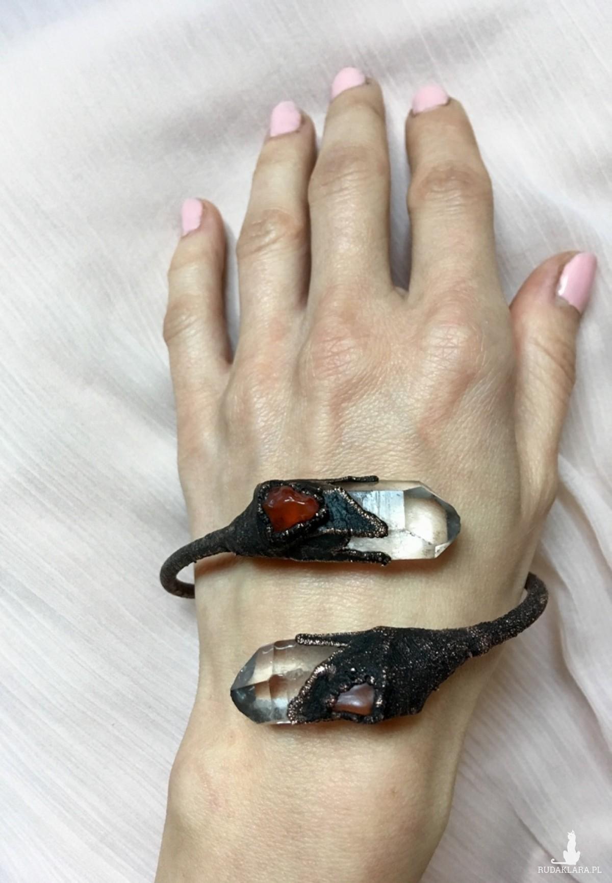 bransoletka miedziana z kryształem górskim i karneolem