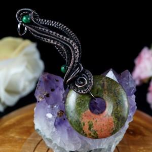 Unakit, Miedziany wisior z unakitem i malachitem, ręcznie wykonany, prezent dla niej prezent dla mamy prezent urodzinowy biżuteria autorska
