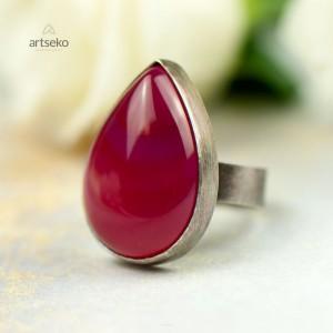 Srebrny pierścień z różowym agatem Carmen a846