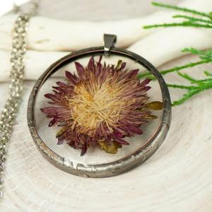 Naszyjnik z kwiatów w cynowej ramce z403