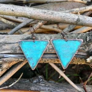 kolczyki miedziane trójkąty patynowane