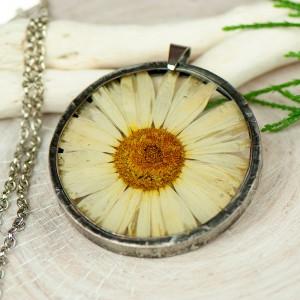 Naszyjnik z kwiatów w cynowej ramce z424