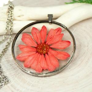 Naszyjnik z kwiatów w cynowej ramce z435