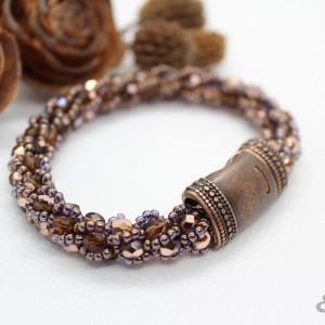 bransoletka z kryształków zapinana na ozdobny magnes