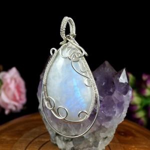 Kamień księżycowy, Srebrny wisiorek z kamieniem księżycowym, ręcznie wykonany, prezent dla niej, prezent dla mamy, prezent urodzinowy,
