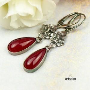 Srebrne kolczyki kwiatuszki z czerwonym agatem Carmen a850