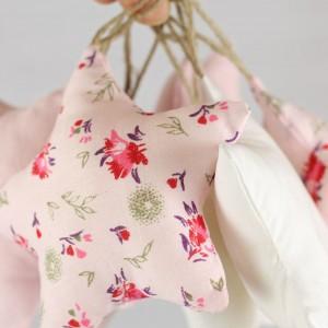 girlanda  kwiatki różowo-białe