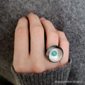 Kontrasty – czarno–srebrny pierścionek z amazonitem, NA ZAMÓWIENIE
