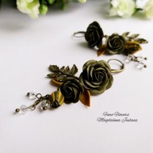 Jesienne kolczyki z zielonymi różami