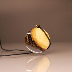 Okrągły wisiorek z czeremchy (09101)