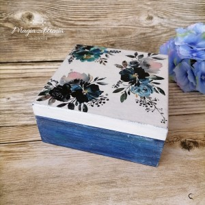 Pudełko na drobiazgi w kwiaty