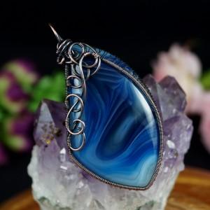 Agat niebieski, Miedziany wisior z Agatem, ręcznie wykonany, prezent dla niej, prezent dla mamy, prezent urodzinowy, biżuteria autorska