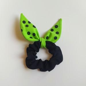 Gumka do włosów (scrunchie) – czarna z zielonymi skrzydełkami