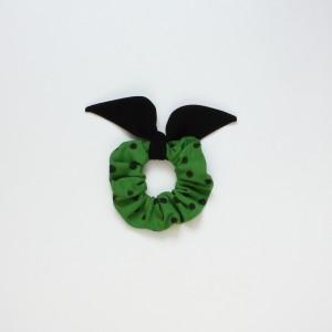 Gumka do włosów (scrunchie) – zielona z czarnymi skrzydełkami