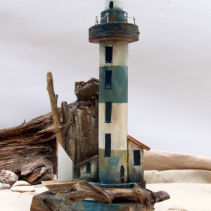 Dekoracja z drewna - Latarnia Morska