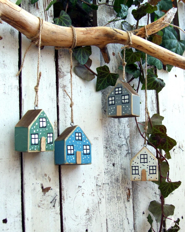4 drewniane domki - zawieszki, bombki