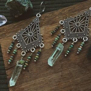 Orientalne kolczyki z chryzokolą oraz zielonym kwarcem