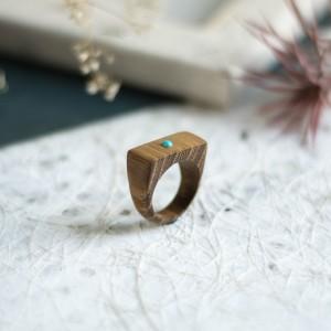 Akacjowy pierścionek z turkusem