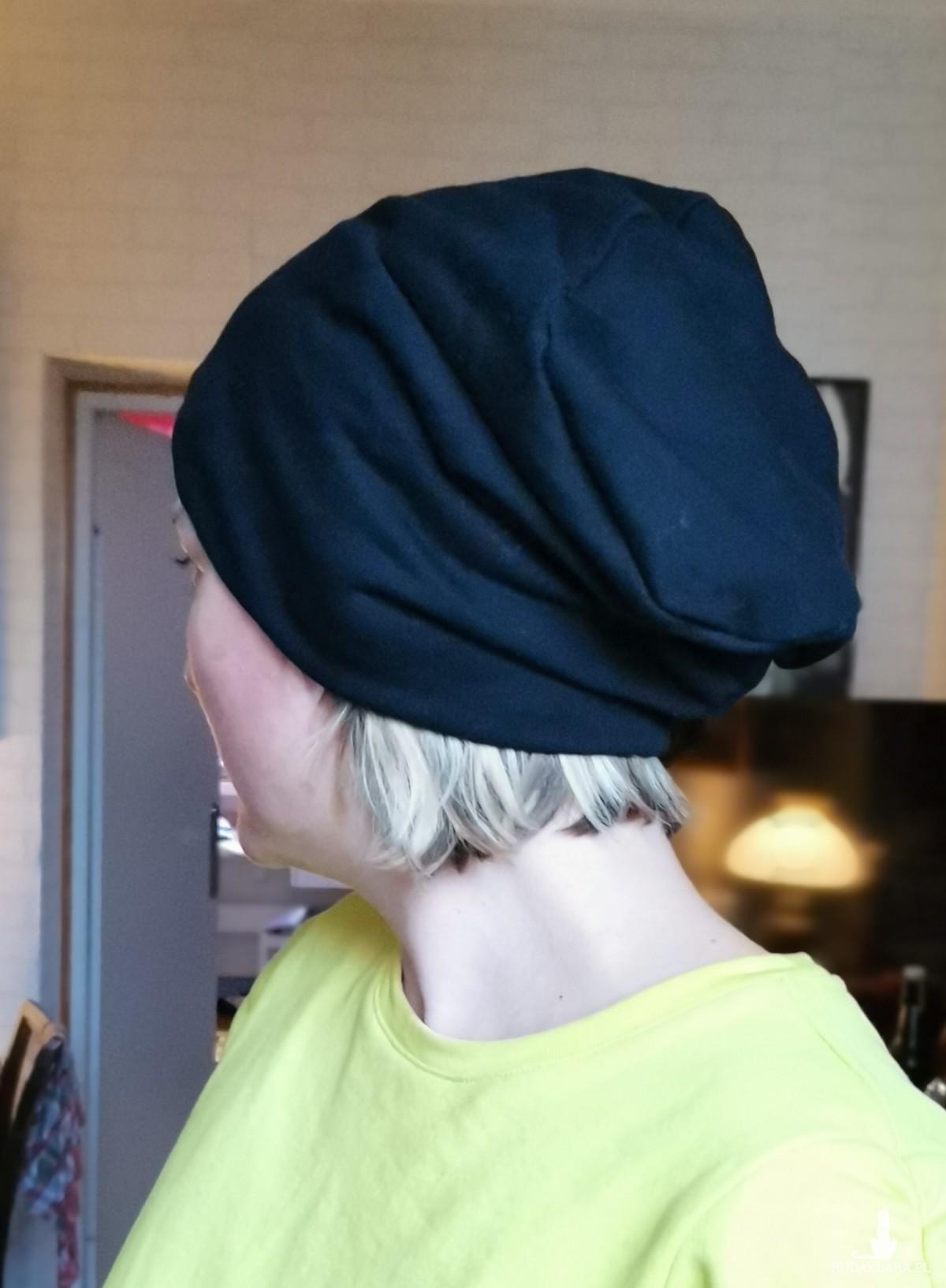 czapka damska czarna codzienna
