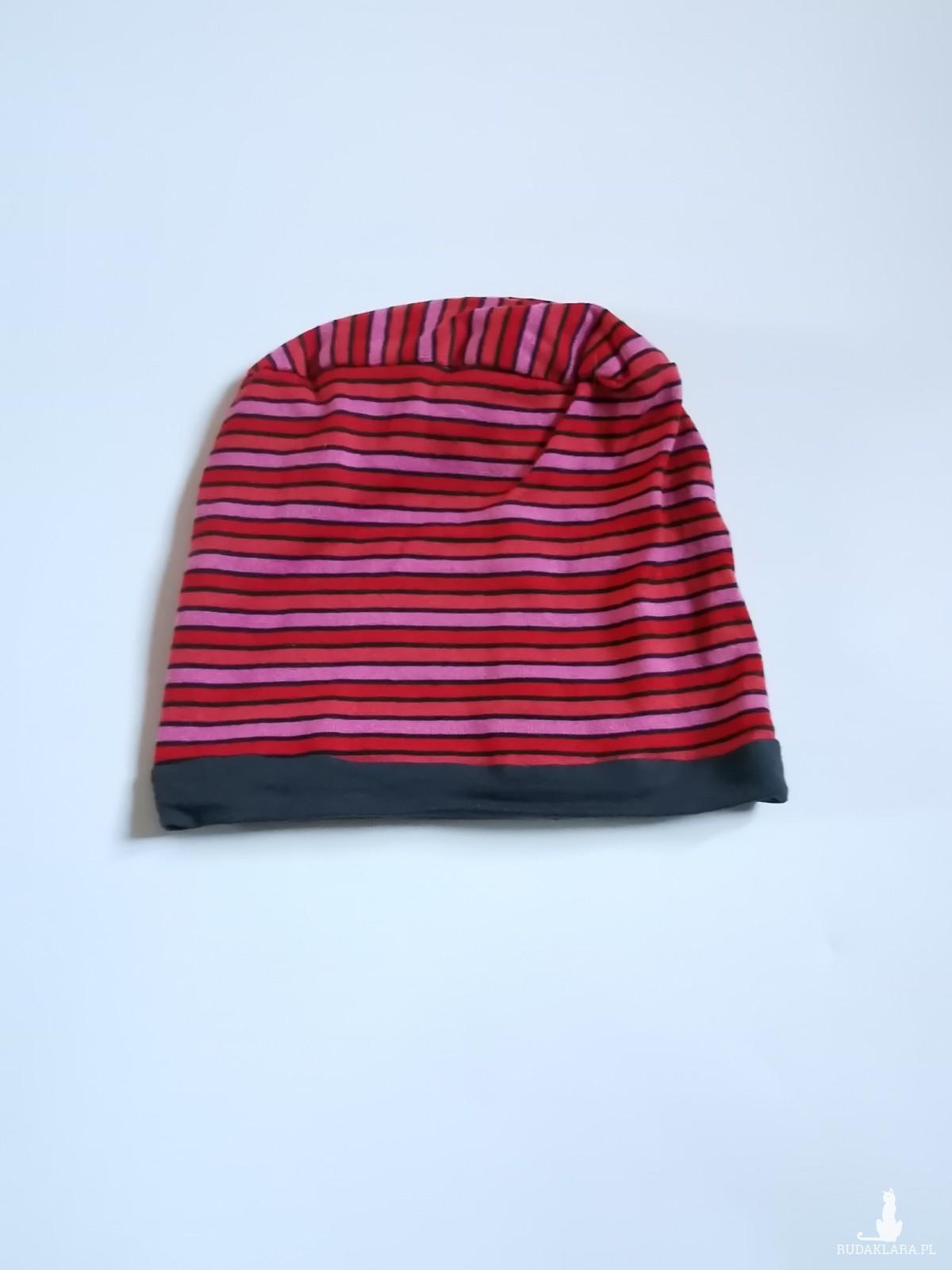 czapka dzianinowa w paski