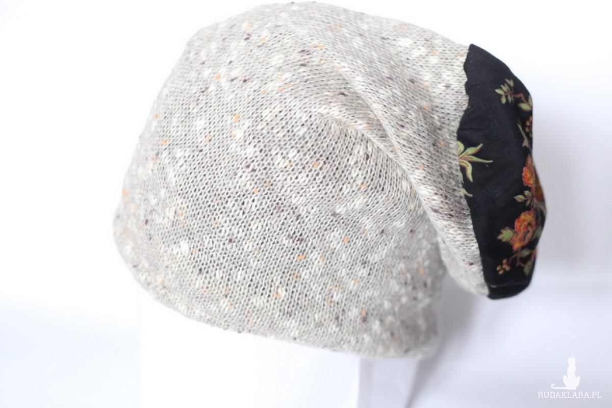 czapka damska kolor lnu i kwiaty