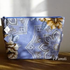 Kosmetyczka damska zestaw dwóch dużych kosmetyczek saszetka organizer do torebki wodoodporna  kolor niebieski  w kwiaty