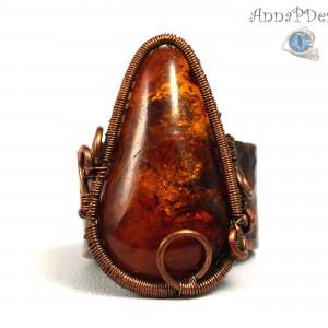 Bursztyn, Miedziany pierścionek z bursztynem, ręcznie wykonany, prezent dla niej prezent dla mamy, prezent urodzinowy biżuteria autorska