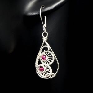 Rubin, Srebrne kolczyki z fasetowanym rubinem, ręcznie wykonane, prezent dla niej, prezent dla mamy, prezent urodzinowy, biżuteria autorska
