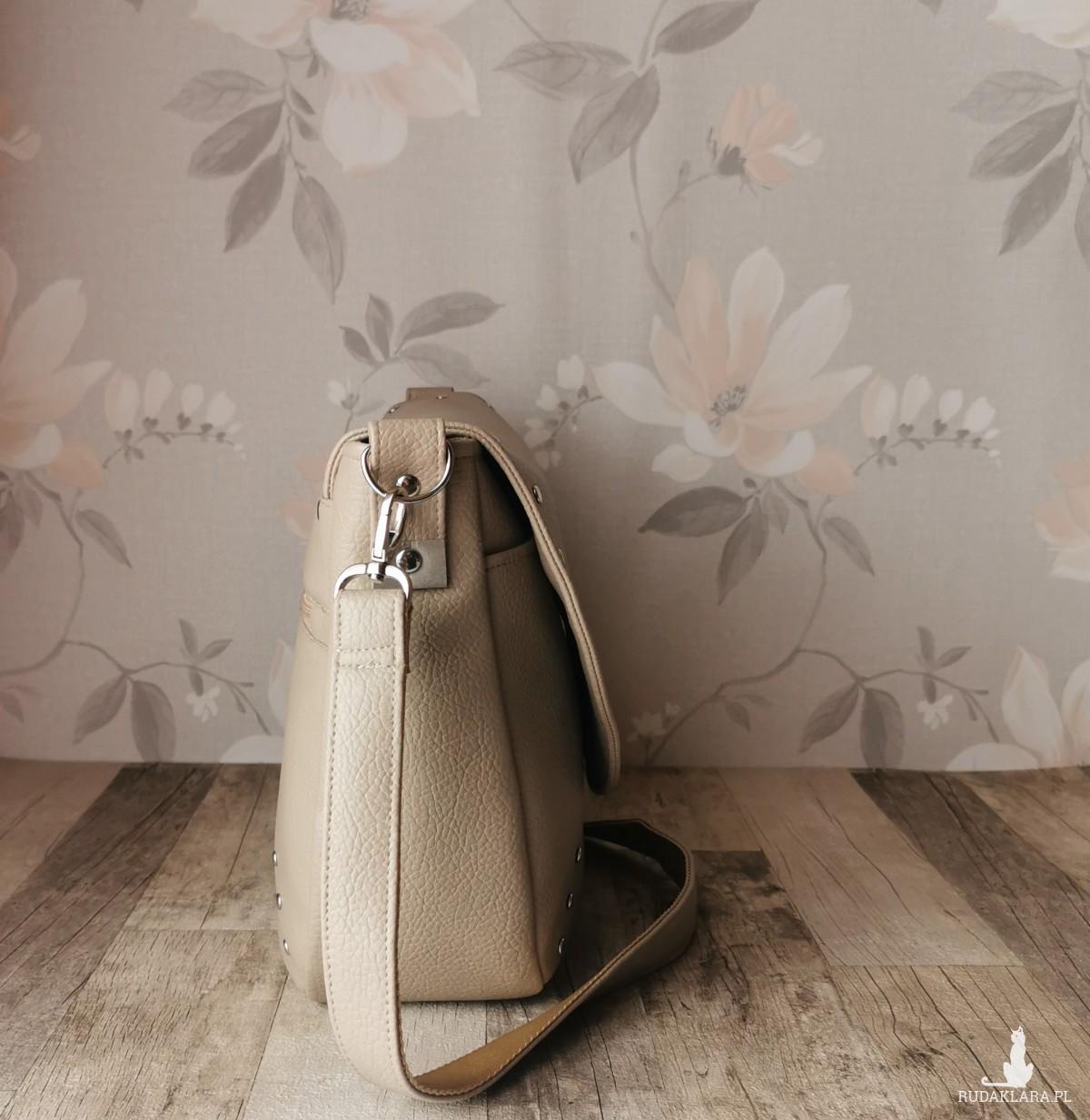Duża  listonoszka torebka z klapką  ekoskóra  -  beżowa