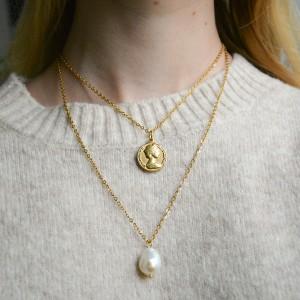 Naszyjnik z dużą perłą i monetą, sperly naturalne, stal chirurgiczna