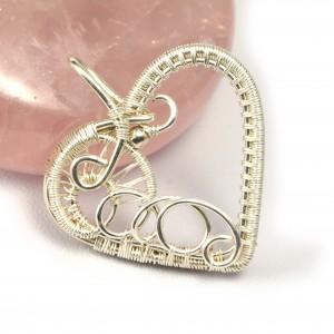 Delikatny Srebrny wisiorek, ręcznie wykonany, prezent dla niej, prezent dla mamy, prezent urodzinowy, niepowtarzalna biżuteria, serce