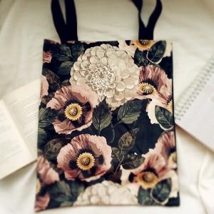 Duża czarna torba ze wzorem w kwiaty