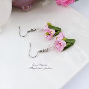 Kolczyki z różowymi tulipanami