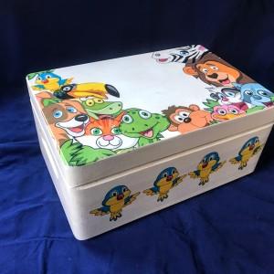 040,Skrzynka/ pudełko  - małe zoo