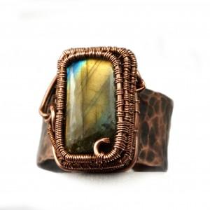 Labradoryt, Miedziany pierścionek z labradorytem, ręcznie wykonany, prezent dla niej prezent dla mamy, prezent urodzinowy biżuteria autorska