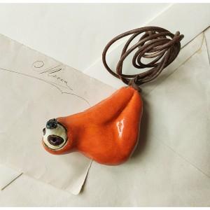 Wisior leniwiec pomarańczowy