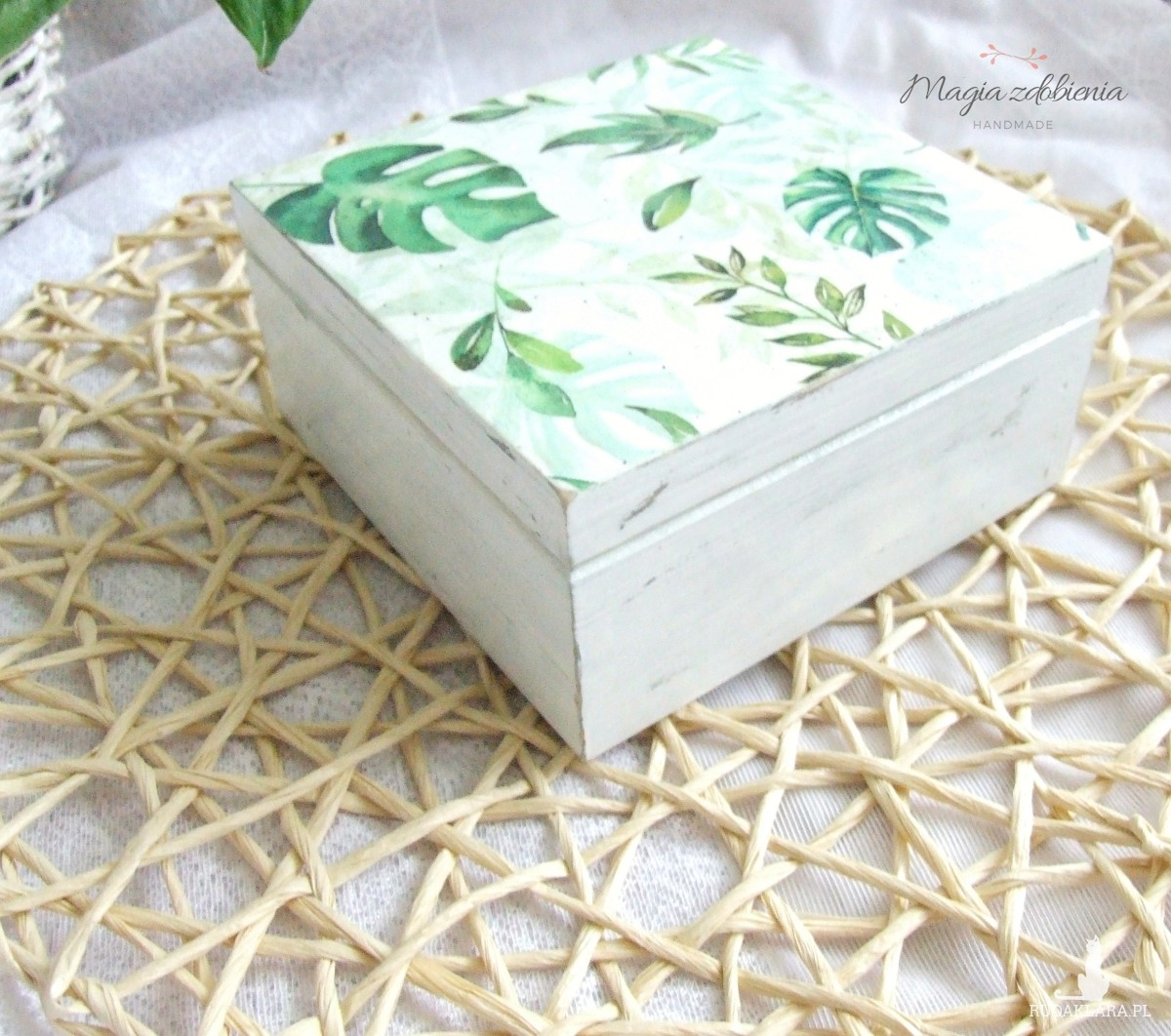 Postarzone pudełko na biżuterię lub inne drobiazgi - liście