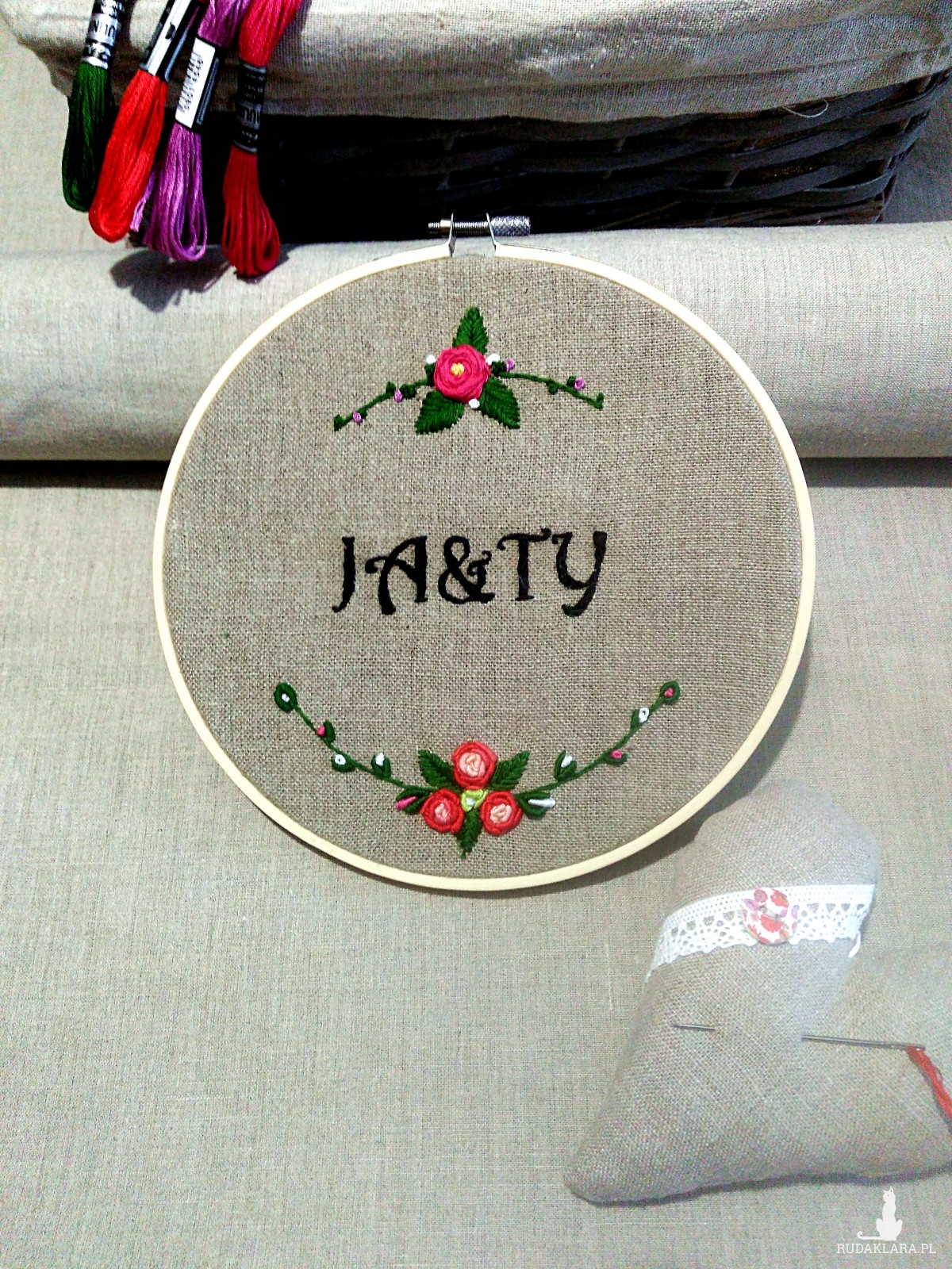 Tamborek haftowany - haft ręczny dowolny napis