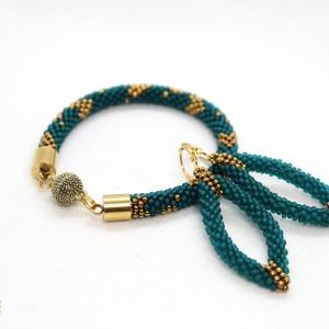 komplet biżuterii w kolorze zielonym w serduszka