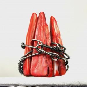 Czerwony kieł, Srebrny pierścionek z kolcami z masy perłowej, Pazur, Szpony, ręcznie wykonany, prezent dla niej, prezent dla mamy, rozm. 13