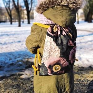 Dziecięcy plecak worek w różowe maki