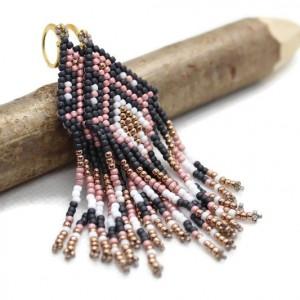 Kolczyki szyte z koralików - indiańskie - piórka
