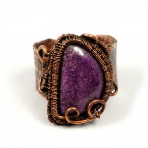 Purpuryt, Miedziany pierścionek z purpurytem, ręcznie wykonany, prezent dla niej prezent dla mamy, prezent urodzinowy biżuteria autorska