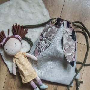 Dziecięcy plecak worek królik z uszami w kwiaty