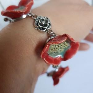 Bransoletka z kwiatkami maku
